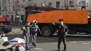 Porsche Cayenne пытался помешать репетиции парада Победы 2018!))))