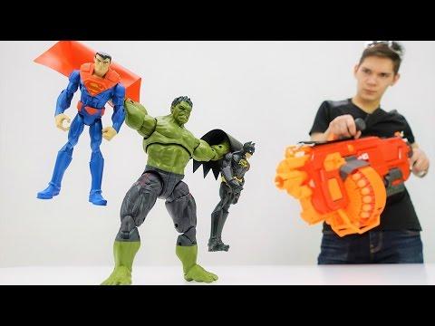 Супергерои: видео с игрушками! Супермен и Бэтмен стали плохими! Фабрика Героев.
