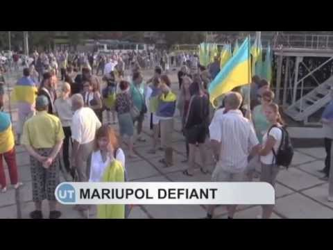 Mariupol residents protest Russian invasion: pro-Ukrainian rally in Azov Sea port city