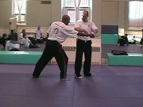Kapap Canada - Knife Defense Instruction