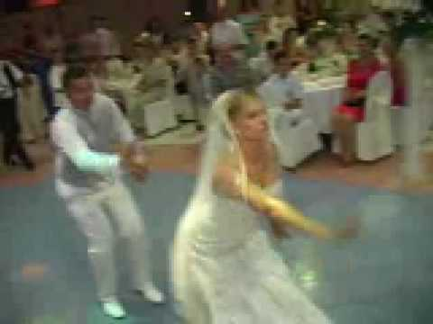 Best Wedding Dance with suprise at 1:30