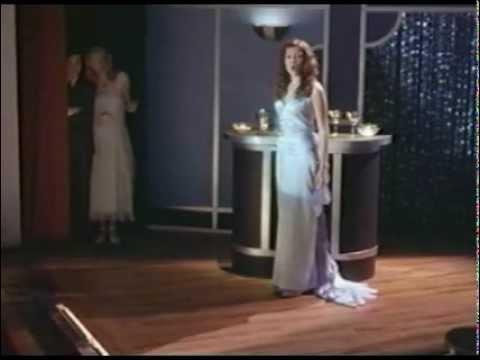 """La canción Only Hope (�nica esperanza) de la película """"Un amor para recordar"""" protagonizada por Mandy Moore y cantada en español por Ailyn. Esta preciosa can..."""