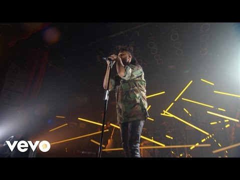 """The Weeknd Performs """"Tell Your Friends,"""" """"The Hills"""" & More In Toronto"""
