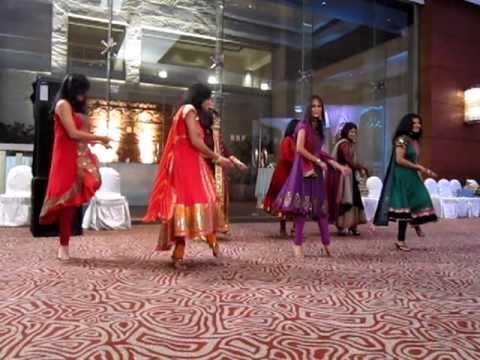 Nandita & Prateeks Engagement - Dancing to Chor Bazari
