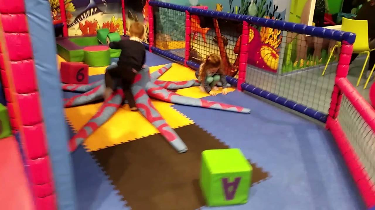 [Family Fun Play Area for kids Playground Indoor] Video