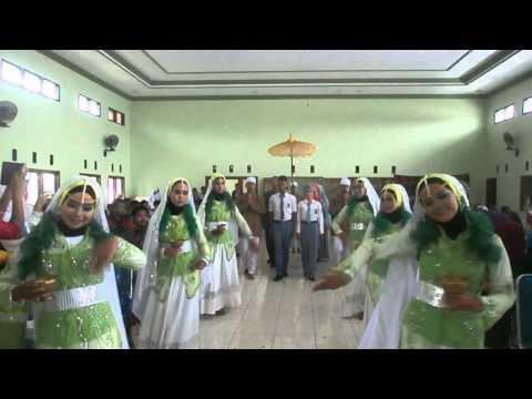 TARI TRADISONAL Feat HADROH AL ANDALUS SMK AL WASHLYAH Part 2