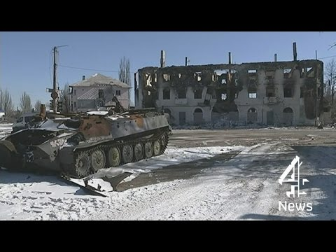 Ukraine crisis: Government troops withdraw from Debaltseve