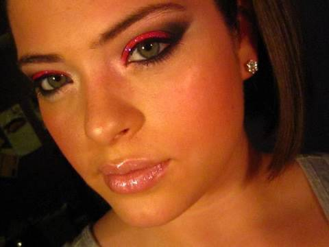 Clubbing: Glittery Fuchsia Fist Pumpin' Look Video