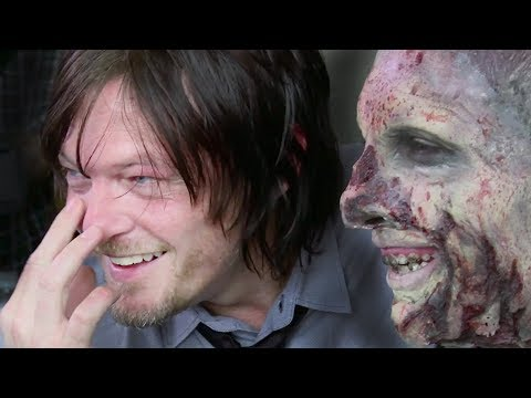 The Walking Dead | pranking Daryl / Norman Reedus (2014)