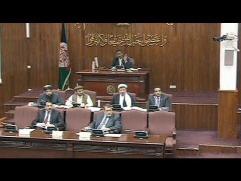 La Parlement afghan vote la révocation de deux ministres