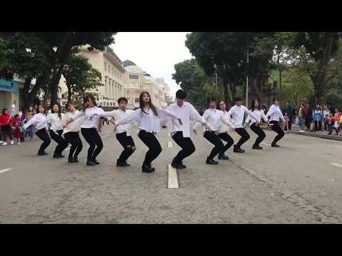 Nhảy Có Nên Dừng Lại (Talk To Me) Trên Phố Đi bô