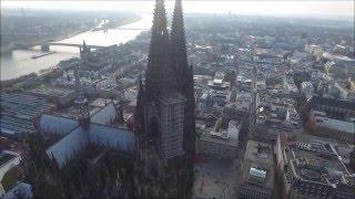 Der Kölner Dom---Drohnen-Aufnahme
