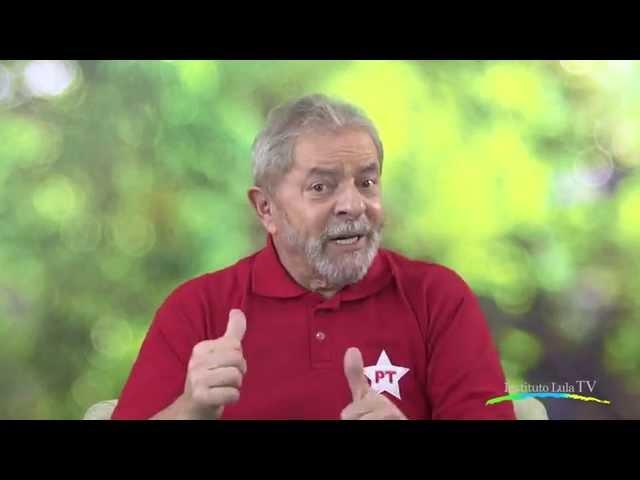 """Lula: """"Se você olhar a Veja como um panfleto da campanha do Aécio, você sofre menos"""""""