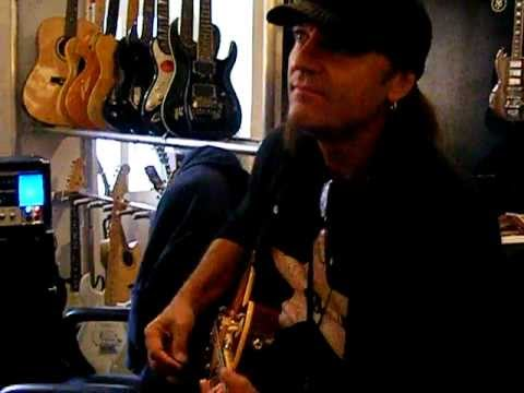 Matthias Jabs playing the riff of Raised on rock in his Guitars Shop.