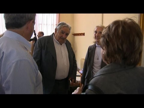 Uruguay president welcomes Syrian refugees