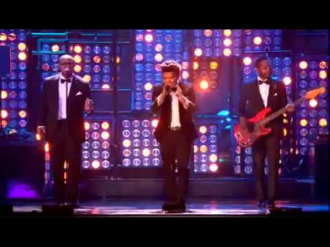 BRUNO MARS -Just the way you are (Brit Awards 2012) Live Performance...