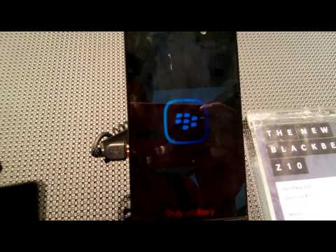 BlackBerry Z10 Hands on : takes lot time to boot.