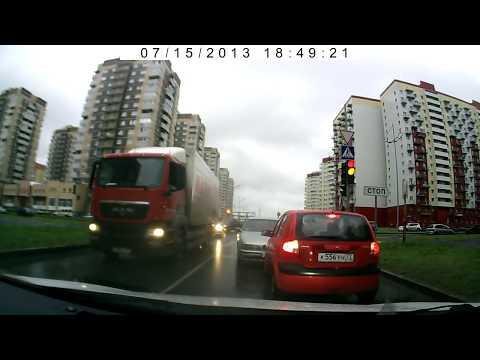 Упоротый водитель BMW въехал в Getz. Лобовое