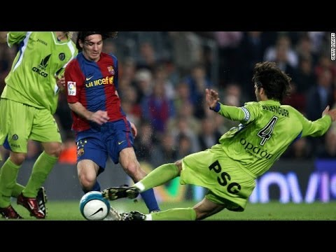 Lionel Messi Dropping Players Goalkeepers on the Floor HD