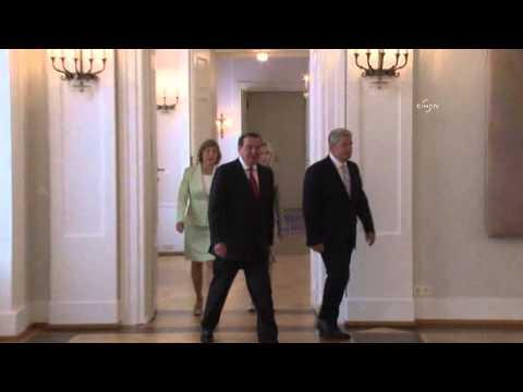 Festessen zum 70. Geburtstag: Gauck würdigt Altkanzler Schröder