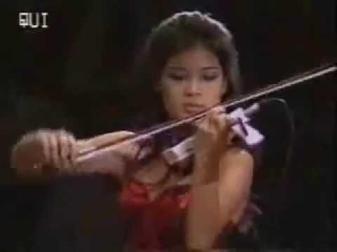 Vanessa Mae plays Red Hot
