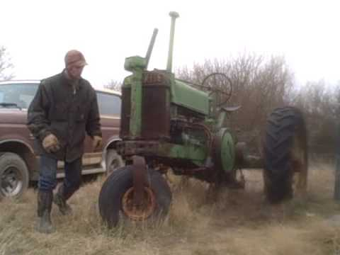 John Deere Model A second time started since 1997 trying to get it moved and up to the shop