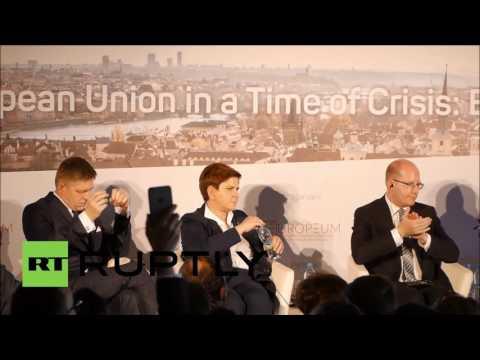 Czech Republic: Czech, Hungarian, Polish and Slovak PMs talk EU in Prague