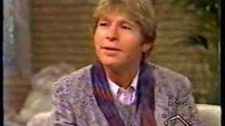 Watch John Denver Hold On Tightly video