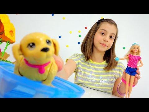 Кукла Барби распаковка игрушек. Игры для детей