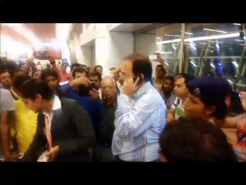 Air India: Passenger shouting slogans at New Delhi airport terminal T3
