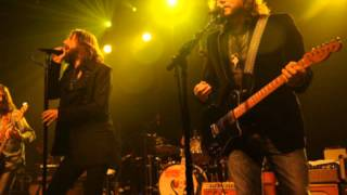 Watch Black Crowes Lay It All On Me video