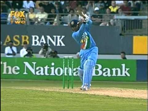 Virender Sehwag 112 vs New Zealand 6th ODI 2002/03 ODI
