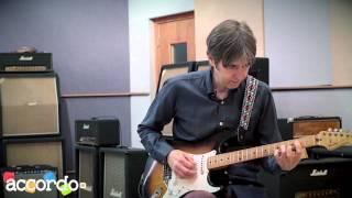 """Eric Johnson - フェンダー・ストラトキャスター""""5 way switch""""の使い方デモ演奏映像を公開 thm Music info Clip"""