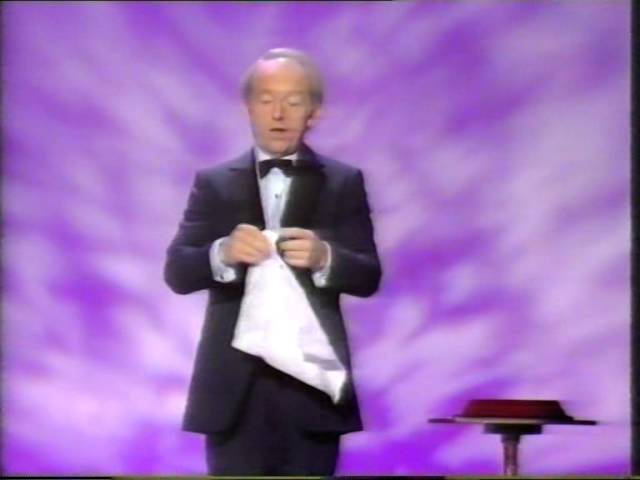 PAUL DANIELS MAGIC SHOW - FLYING COINS