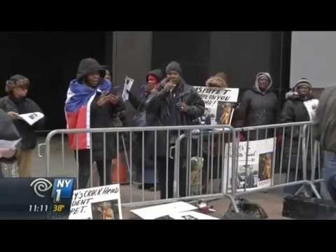 Haitians Protest Outside Hillary Clinton's Office Over 'Billions Stolen' by Clinton Foundation