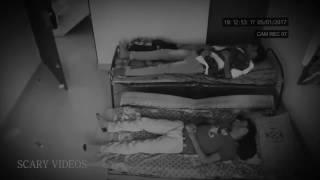 Camera ghi được cảnh tượng Ma tấn công người
