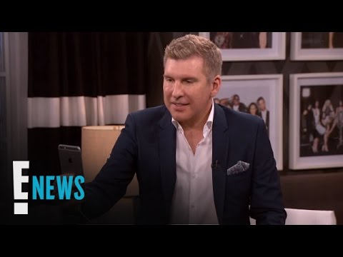 Todd Chrisley Tries Snapchat Filters for First Time | E! News
