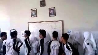 Yel yel ngawur X-UPW 2013/2014 SMKN 4 Banjarmasin