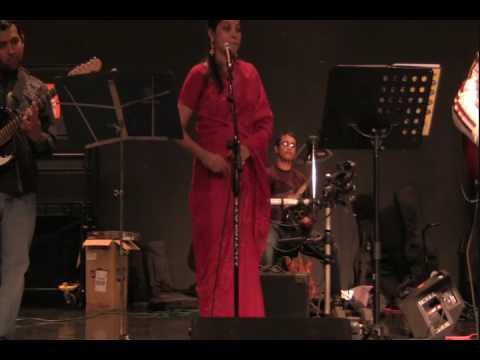 Bangladeshi Folk - Cholona Ghure Asi