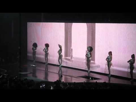 Intro | Run The World (Girls) - Beyoncé @ Lisboa [26.03.2014]