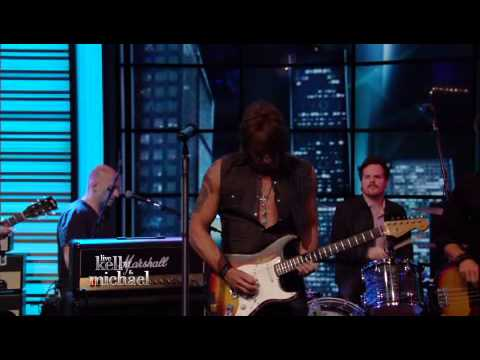 Richie Sambora - Every Road Leads Home to You (LIVE! with Kelly and Michael)