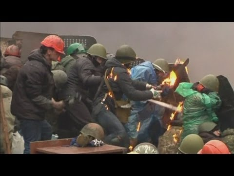 Ukraine Protest: Molotov cocktails and rocks thrown in Kiev as fighting erupts again