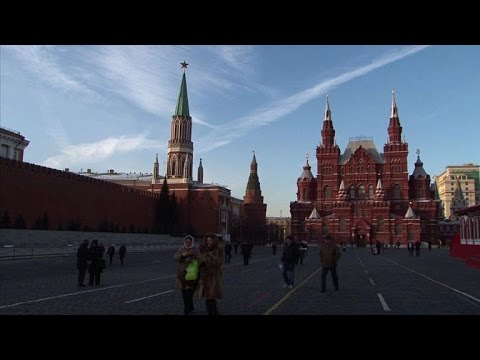 Russia responds to Western sanctions with food ban