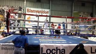 Junior boxeando en tijuana calle 9 round 3