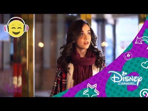 """Videoclip de la ganadora del concurso Violetta: Tu Sueño Tu Música, interpretando la canción """"Amor En El Aire"""" de la serie Violetta."""