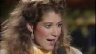Watch Amy Grant Christmas Hymn video
