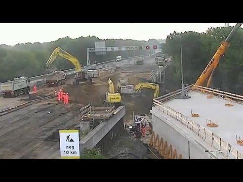 Wow! Terowongan Bawah Jalan Tol ini Dibangun Cukup 3 Malam!