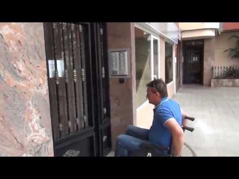 Puerta automática de edificio   minusválidos