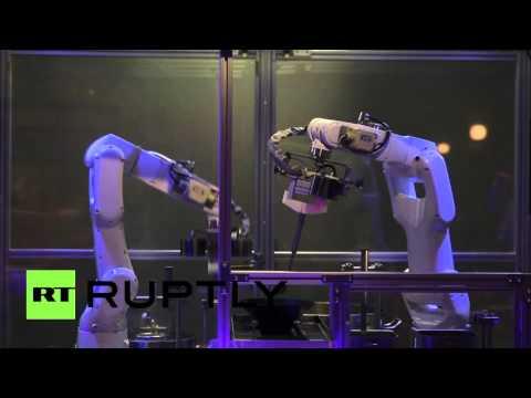 ついにここまで?!ロボットシェフが作る90秒ラーメン