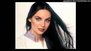 Watch Crystal Gayle Crying In The Rain video